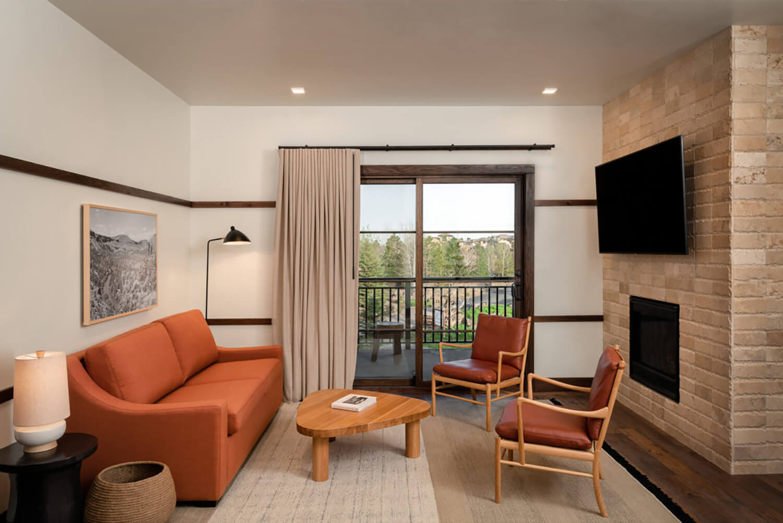 Huntington Lodge   Living Room   Bend, OR