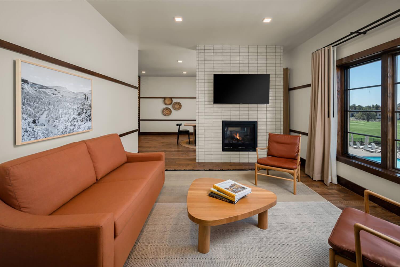Huntington Lodge  Penthouse Living Room   Bend, OR